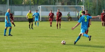 S futbalom to skúša v zahraničí