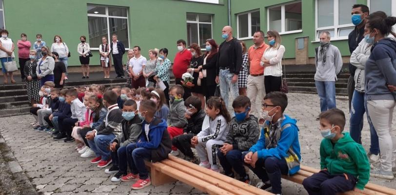 Rusínčina na školách slovom aj písmom